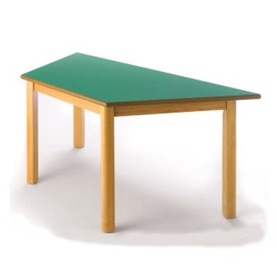 mesa de madera trapezoidal